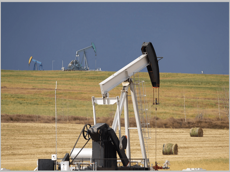 Alberta drilling activity demonstrated with Microsoft Power BI